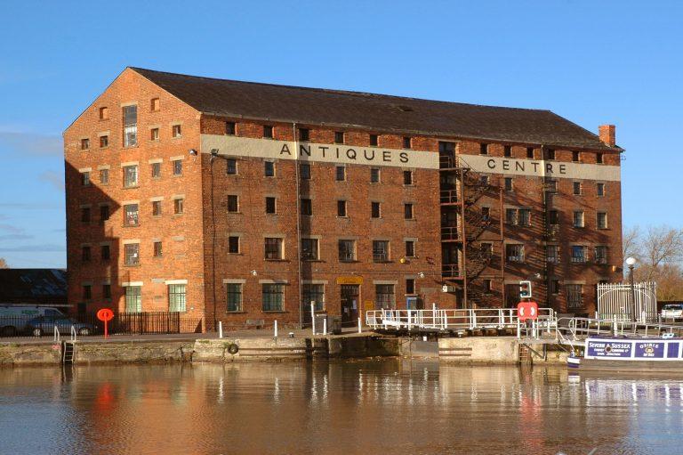 Old building at Lock Warehouse, Gloucester Docks