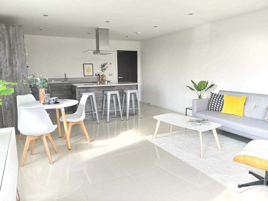Open plan kitchen - MELT Property Develompent - ONE62, Hythe